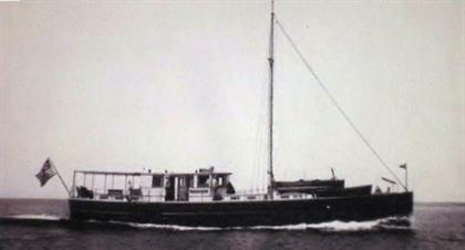 1932 john waynes first yacht  49 1932 John Waynes First Yacht