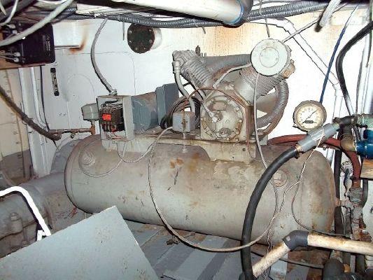 1944 livingston shipyard navy tug conversion  86 1944 Livingston Shipyard Navy Tug Conversion
