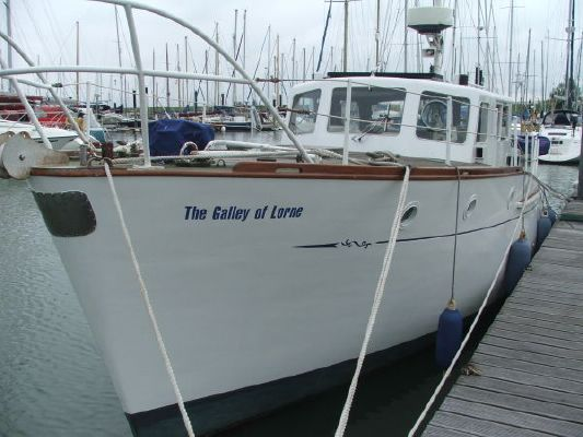 1962 frederick parker 32ft classic motor yacht boats for Vintage motor yachts for sale
