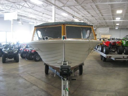 Cruiser's Inc 18' Closed Bow Wood 1963 All Boats