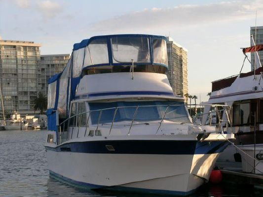 1971 uniflite 42 double cabin m y  2 1971 Uniflite *42 Double Cabin* M/Y