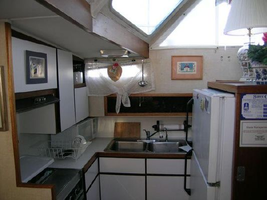 1971 uniflite 42 double cabin m y  8 1971 Uniflite *42 Double Cabin* M/Y