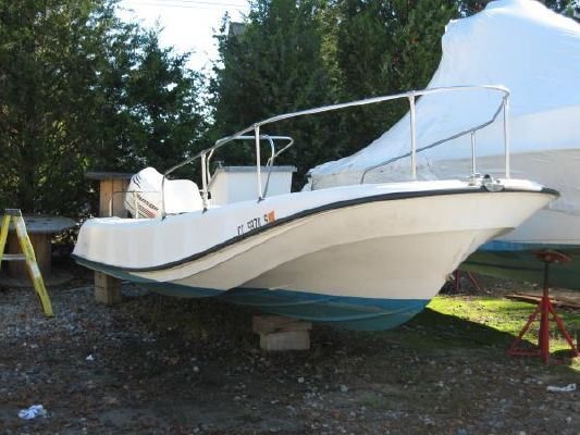 Boston Whaler 21 Outrage 1972 Boston Whaler Boats