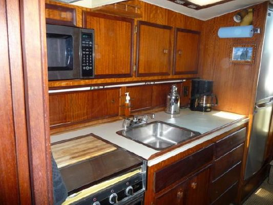 Hatteras 42 Convertible 1974 Hatteras Boats for Sale