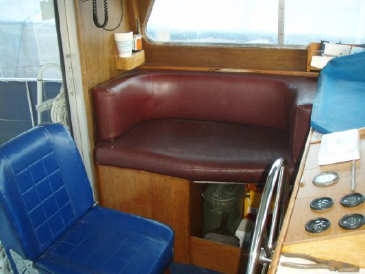 1975 camper nicholsons gentlemans motor cruiser  11 1975 Camper & Nicholsons Gentlemans Motor Cruiser