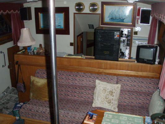 1975 camper nicholsons gentlemans motor cruiser  9 1975 Camper & Nicholsons Gentlemans Motor Cruiser