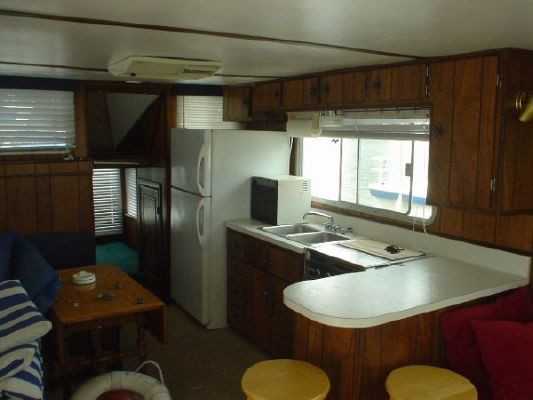 1975 delta clipper hardtop houseboat  10 1975 Delta Clipper Hardtop Houseboat