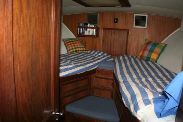 Hatteras 42 Convertible 1976 Hatteras Boats for Sale