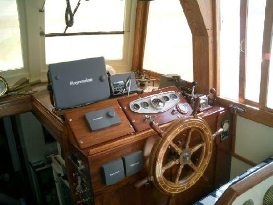 Robert Rich Flybridge Sedan 1976 Flybridge Boats for Sale
