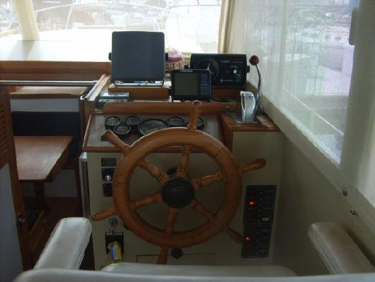 Roughwater Pilot House 1976 All Boats