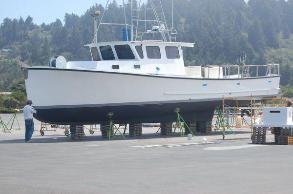 Uniflite Boats Custom Navy Utility 1976 Motor Boats
