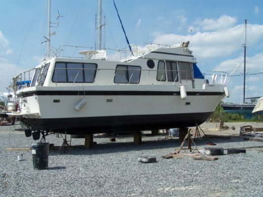 Bluewater Yachts House boat 1977 Bluewater Boats for Sale