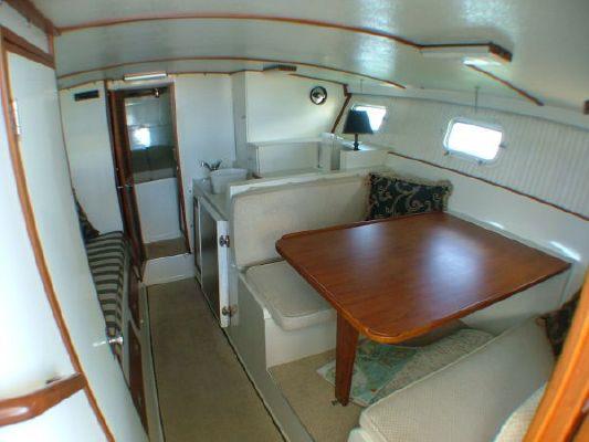 Magnum Flybridge 1977 Flybridge Boats for Sale