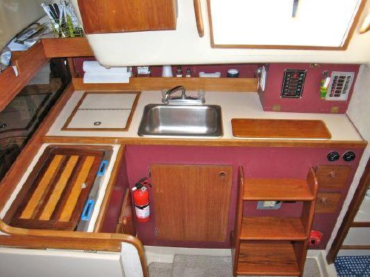 1977 oday center cockpit aft cabin  14 1977 ODay Center Cockpit / Aft Cabin