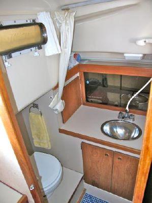 1977 oday center cockpit aft cabin  15 1977 ODay Center Cockpit / Aft Cabin