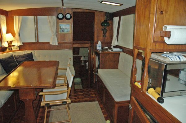 Grand Banks Classic/No Teak Decks 1978 Grand Banks Yachts