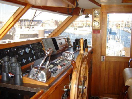 1978 pacemaker motor yacht  2 1978 Pacemaker Motor Yacht