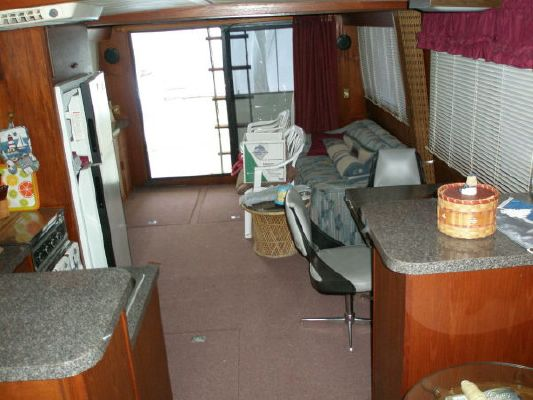 1979 bluewater yachts sedan  14 1979 Bluewater Yachts Sedan