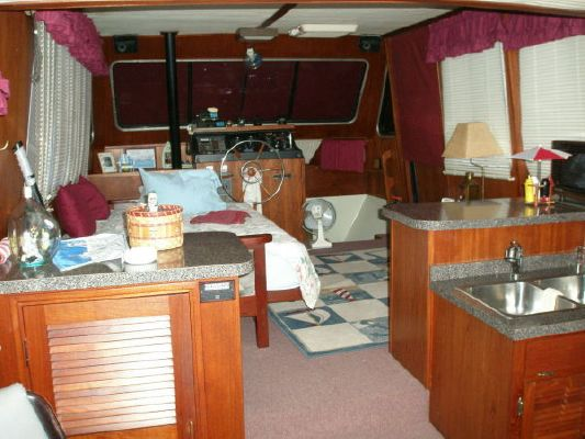 1979 bluewater yachts sedan  17 1979 Bluewater Yachts Sedan