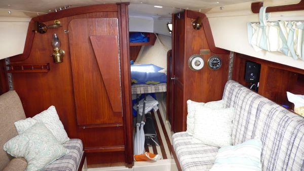 1979 cal 31 sloop  8 1979 CAL 31 Sloop