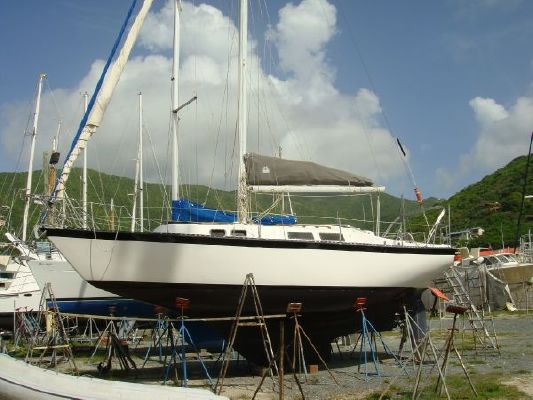 Boats for Sale & Yachts Columbia 10.7 Wide Body Super Cruiser 1979