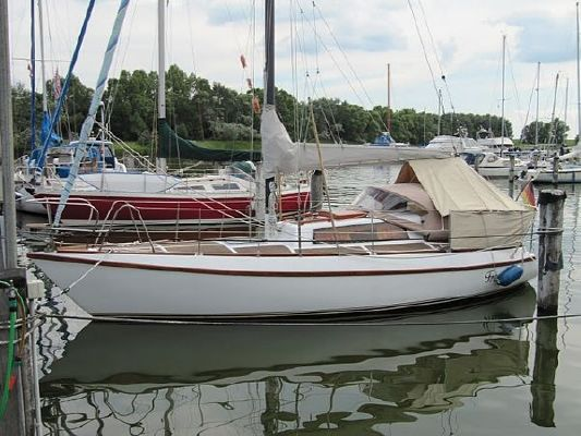 Emka 28 1979 All Boats