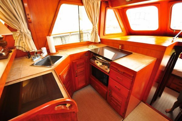 1980 chb europa trawler  8 1980 CHB Europa Trawler