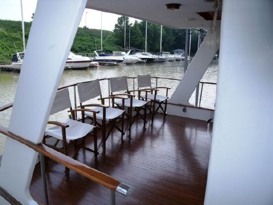 1980 marine trader 50 motor yacht  3 1980 Marine Trader 50 Motor Yacht