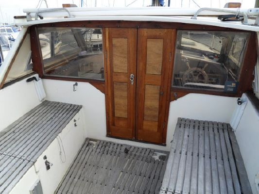 1980 mustang 31 motor sailer  12 1980 Mustang 31 Motor sailer