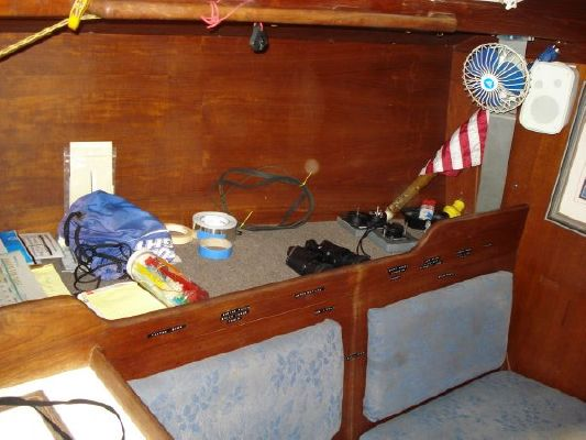 Tartan 33 Cruising/Racing Sailboat (Sistership) 1980 Fishing Boats for Sale