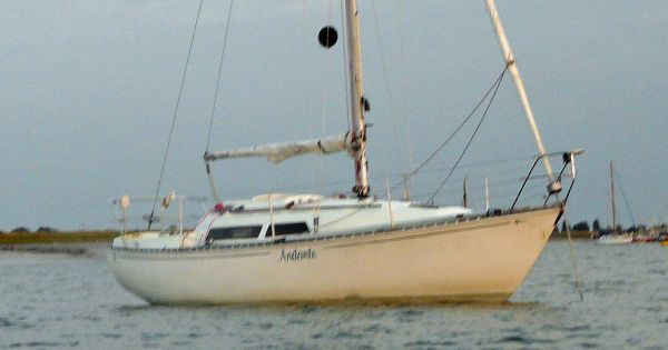 Boats for Sale & Yachts Trapper 501 fin keel 1980 All Boats