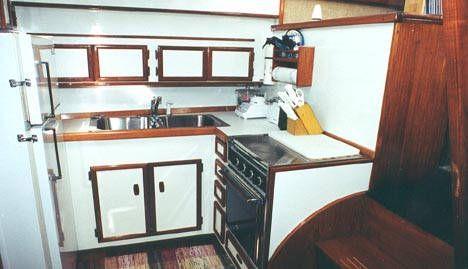 Viking Cockpit Motoryacht 1980 Viking Boats for Sale