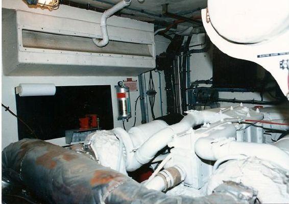 1981 hatteras widebody motoryacht  8 1981 Hatteras widebody motoryacht