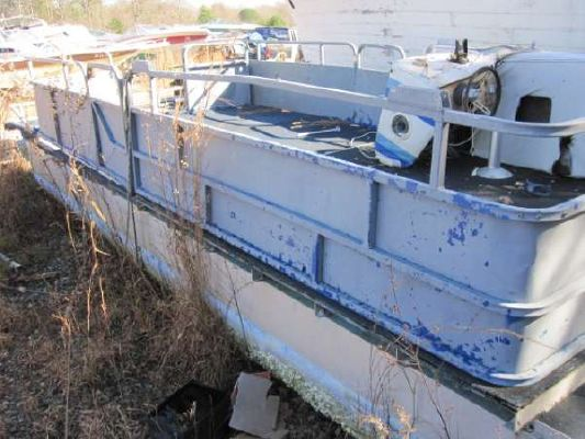 1981 Lowe 24 Project Pontoon Boat - Boats Yachts for sale