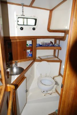Mariner Center Cockpit 1981 All Boats