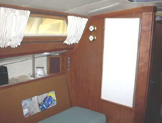 Spirit Yachts Spirit 28 TRADES CONSIDERED 1981 All Boats
