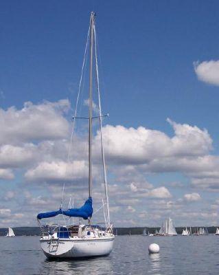 Catalina 1982 Catalina Yachts for Sale