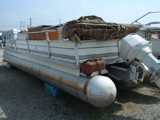 CREST PONTOON BOATS Pontoon 29 1982 Pontoon Boats for Sale