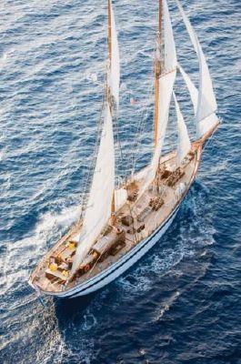 De valk yacht brokers