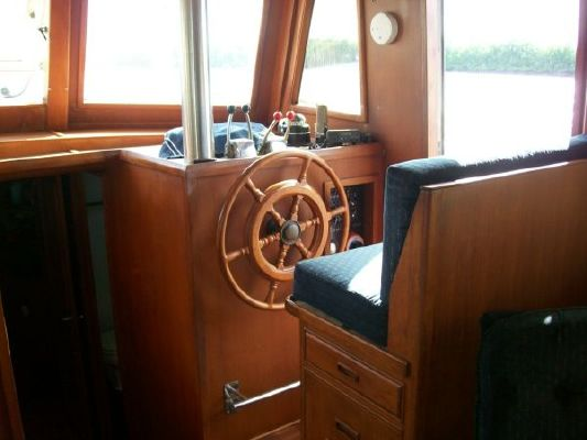Marine Trader Classic 1982 All Boats