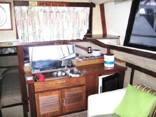Silverton AFT CABIN 1982 Aft Cabin All Boats