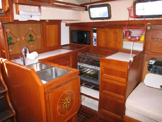Brewer 42 Ctr Cockpit 1983 All Boats