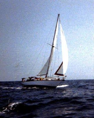 1983 cape dory cutter  1 1983 Cape Dory Cutter
