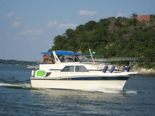 1983 Chris Craft Catalina 381 - Boats Yachts for sale