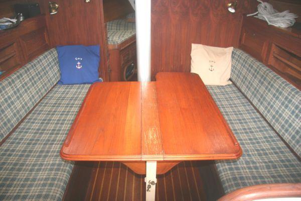 1984 cape dory 31  4 1984 Cape Dory 31