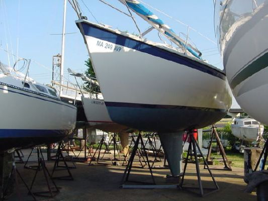 1984 hunter deep keel version  1 1984 Hunter Deep Keel version
