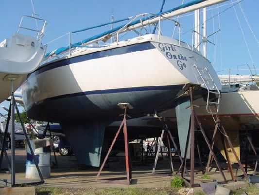 1984 hunter deep keel version  2 1984 Hunter Deep Keel version