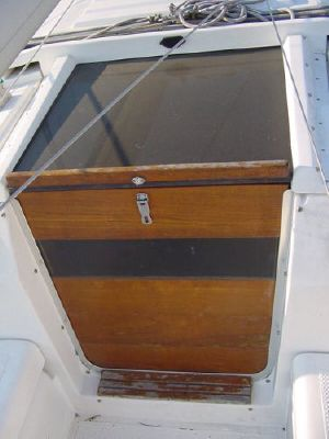 1984 hunter deep keel version  6 1984 Hunter Deep Keel version