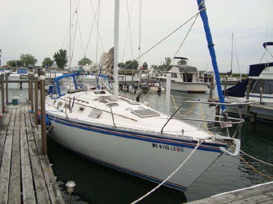 Hunter Hunter 34 1984 All Boats
