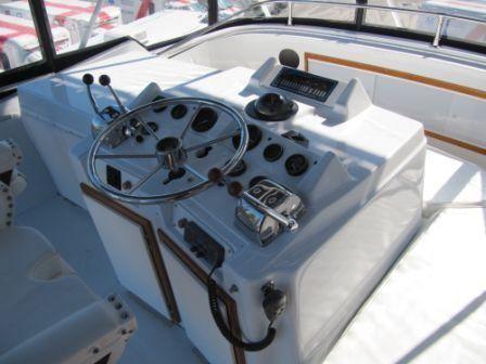 Uniflite 38 Convertible 1984 Motor Boats